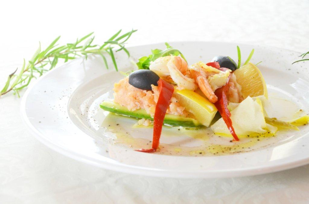 Tatar z łososia - Hotel Restauracja Legnica